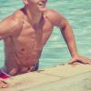 Tinute masculine pentru o zi la plaja sau piscina