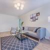 Cum coordonezi canapeaua si fotoliile din living pentru un decor elegant