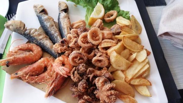 Tenerife_mancare_si_fructe_de_mare.jpg